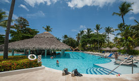 baseny parasoli pływający wody Zdjęcia Stock
