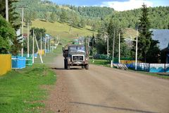 Bashkortostanvrachtwagen in ural Royalty-vrije Stock Afbeelding
