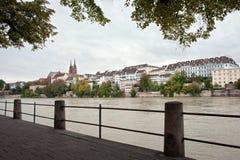 Basilea y río el Rin, Suiza Fotografía de archivo