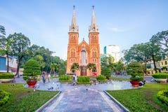 Basilica della cattedrale di Notre-Dame di Saigon, Vietnam fotografia stock