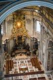 Basilica di圣彼得罗-令人惊讶的罗马,意大利内部  免版税库存照片