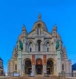 Basilica di Sacre Coeur in Montmartre a Parigi Francia a twiligh Immagine Stock