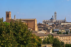 Basilica Di SAN Domenico και το Duomo - η Σιένα Στοκ φωτογραφία με δικαίωμα ελεύθερης χρήσης