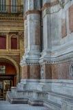 Basilica di San Petronio im Bologna - Teil der Hauptfassade Stockfoto