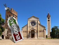 Basilica di San Zeno con l'etichetta del metallo - Verona Fotografie Stock