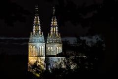 Basilica di St Peter e di St Paul a Praga, Vysehrad, repubblica Ceca immagine stock