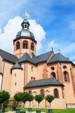 Basilica i Seligenstadt arkivfoton