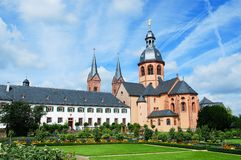 Basilica- och Benedictineabbey i Seligenstadt royaltyfri bild