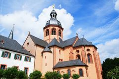Basilica- och Benedictineabbey i Seligenstadt arkivfoton