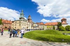 Basilica reale di Archcathedral dei san Stanislaus e Wenceslaus sulla collina di Wawel Fotografia Stock Libera da Diritti