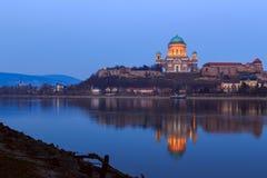 basilicaesztergom hungary Arkivbild