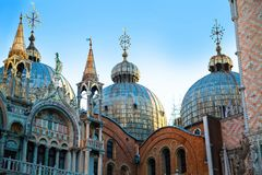 basilicamarco san Otta i fyrkanten, Venedig, Italien Arkivfoton