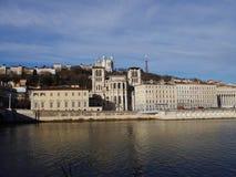 Basilicathe und Fluss Saone, Lyon, Frankreich Notre Dame de Fourviere stockfotografie