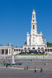Basiliek van Onze Dame van de Rozentuin, Heilig Hart van Jesus Monument en colonnade Royalty-vrije Stock Afbeeldingen