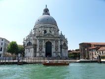 Basiliek van Santa Maria della Salute van Grand Canal stock afbeelding