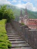 Basiliek van Santa Maria la Real de Covadonga in het Noorden S van Asturias Royalty-vrije Stock Afbeeldingen