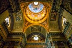 Basilika av helgon John och Paul på den Caelian kullen i Rome, Italien arkivbilder
