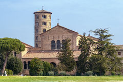 Basilika av helgonet Apollinaris i Classe, Italien Arkivfoton
