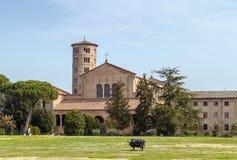 Basilika av helgonet Apollinaris i Classe, Italien Arkivfoto