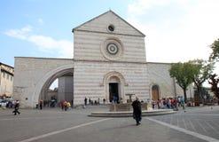 Basilika av helgonet Clare, Assisi, Italien Arkivbilder