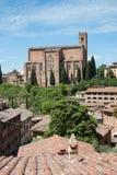 Basilika av helgonet Domenico Siena royaltyfri foto