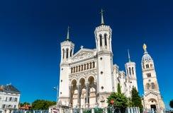 Basilika av Notre Dame de Fourviere i Lyon, Frankrike arkivbilder