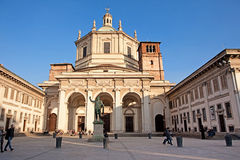 Basilika av San Lorenzo Maggiore Arkivfoto