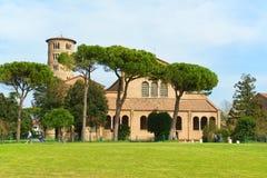 Basilika av Sant'Apollinare i Classe, Italien Arkivbild