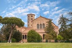 Basilika av Sant'Apollinare i Classe, Ravenna, Italien arkivbild