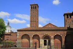 Basilika av St Ambrose (Sant'Ambrogio) i Milan Royaltyfri Foto