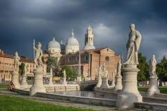 Basilika av St Anthony av Padua, Italien Arkivfoton