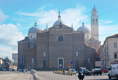 Basilika av St Giustina Arkivbild