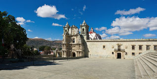 Basilika av vår dam av ensamhet i Oaxaca de Juarez, Mexico arkivbild