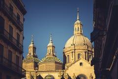Basilika de Nuestra Señora del Pilar Cathedral i Zaragoza, Spanien arkivfoton