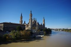 Basilika de Nuestra Senora del Pilar Cathedral i Zaragoza, Spanien royaltyfria foton