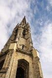 Basilika des Heiligen Michael Tower im Bordeaux Stockfotos