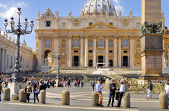 BASILIKA FÖR ST PETER ` S, ROME, ITALY-APRIL 13 Royaltyfri Foto