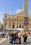 BASILIKA FÖR ST PETER ` S, ROME, ITALY-APRIL 13 Arkivfoto