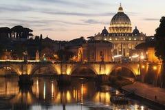 Basilika för St Peter ` s - Vatican City - Rome - Italien Arkivfoton