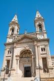 Basilika-Kirche von SS Cosma e Damiano Alberobello Puglia Italien lizenzfreie stockbilder