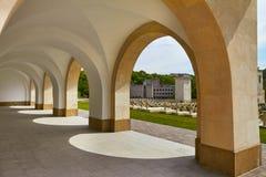 Basilika mit Kolonnade stockfotografie