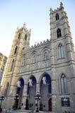 Basilika Notre Dame med tre änglar i vinter i Montreal, Kanada Arkivbilder