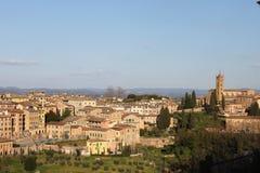 Basilika San Domenico och Siena City - Italien Fotografering för Bildbyråer