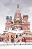 basilika skriver in det moscow st-tempelet till wintertime Royaltyfri Fotografi