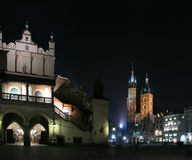 Basilika Str.-Marys nachts Stockfoto