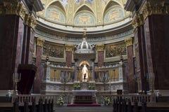 Basilika Str.-Stephens, Altar lizenzfreie stockbilder