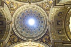 Basilika Str.-Stephens, Kuppel lizenzfreies stockbild