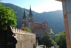 Basilika von La Real de Covadonga Sankt MarÃa stockbild