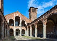 Basilika von St Ambrose (Sant'Ambrogio) in Mailand lizenzfreie stockfotos
