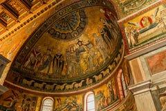 Basilikadi Santa Maria i Trastevere, Rome, Italien Arkivfoton